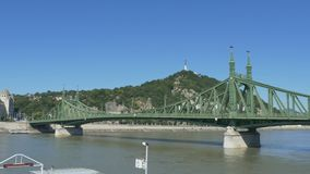 桥梁布达佩斯自由 股票视频