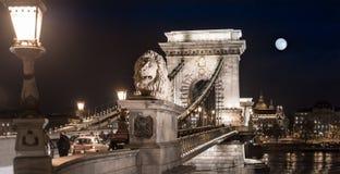 桥梁布达佩斯链欧洲匈牙利 库存照片