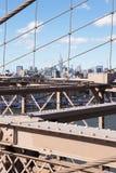 桥梁布鲁克林被查看的曼哈顿 免版税库存图片