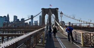 桥梁布鲁克林走道 免版税库存照片