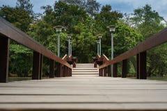 桥梁庭院木头 免版税库存照片