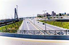 桥梁建筑和路 巴库,阿塞拜疆Koroglu 免版税库存图片