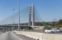 桥梁建筑Sandton在白天 图库摄影