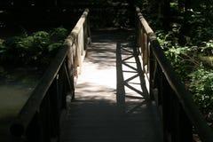 桥梁影子 免版税库存图片