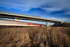 桥梁快速通过的培训下 免版税库存照片