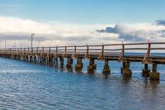 桥梁或码头横跨海浩瀚  库存图片