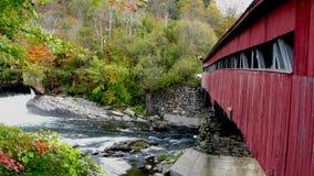 桥梁报道了taftsville 库存图片
