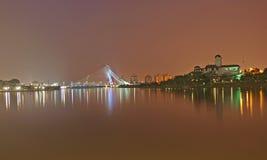 桥梁晚上wawasan putrajaya的seri 免版税库存图片