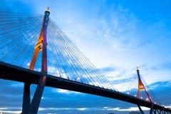 桥梁暂挂 免版税库存图片