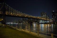 桥梁曼哈顿晚上 免版税库存图片