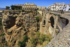 桥梁朗达,其中一个马拉加最著名的白色村庄,安大路西亚,西班牙 库存照片