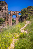 桥梁朗达,其中一个马拉加最著名的白色村庄  库存照片