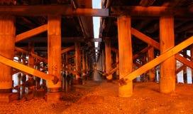 桥梁木码头的技术支持 免版税库存照片