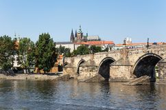 桥梁查尔斯捷克布拉格共和国 免版税库存照片