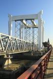 桥梁横穿铁路 免版税库存图片