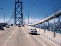 桥梁汽车通行 库存照片