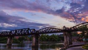 桥梁河Kwai定期流逝在北碧,泰国 股票视频
