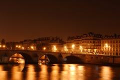 桥梁法国巴黎河围网 免版税库存图片