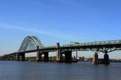 桥梁泽西新的扇叶树头榈tacony的宾夕法&#23 图库摄影