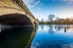 桥梁海德公园蛇纹石 库存照片