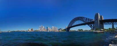 桥梁港口全景悉尼 免版税库存照片