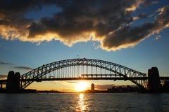 桥梁港口日落悉尼 免版税库存照片