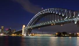 桥梁港口晚上零件 库存照片