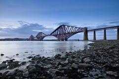桥梁爱丁堡用栏杆围苏格兰 免版税库存照片