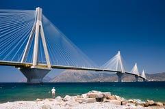桥梁电缆坚持的希腊 库存图片