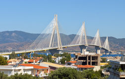 桥梁电缆希腊patra坚持 免版税库存照片