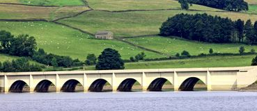 桥梁白色 免版税库存图片