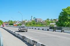 从桥梁的城市视图 免版税库存照片