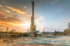 桥梁的建筑的机械 免版税图库摄影