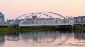 桥梁的日落视图 Arys桥梁,阿斯塔纳, K 股票视频