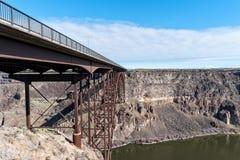 桥梁的激动人心的景色,斯内克河峡谷,爱达荷 免版税库存照片