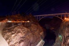 桥梁的看法在胡佛水坝前面的 免版税图库摄影
