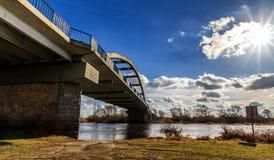 桥梁的边 免版税图库摄影