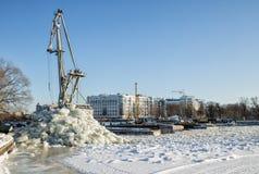 桥梁的重建 桥梁okhtinsky彼得斯堡俄国圣徒 免版税库存图片