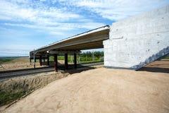 桥梁的建筑 免版税库存照片