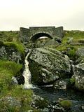 桥梁空白爱尔兰突围石头 免版税库存照片