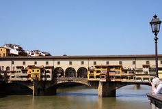桥梁老佛罗伦萨路灯柱 免版税库存照片