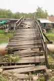 桥梁老木 免版税库存图片
