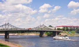 桥梁老河 免版税图库摄影