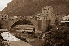 桥梁老莫斯塔尔 免版税库存照片
