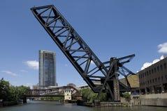 桥梁芝加哥kinzie铁路街道 库存照片
