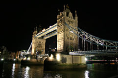 桥梁英国伦敦塔 免版税图库摄影