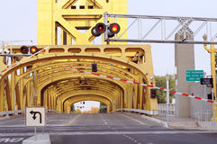 桥梁萨加门多塔 免版税图库摄影