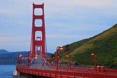桥梁金黄黎明的门 库存图片