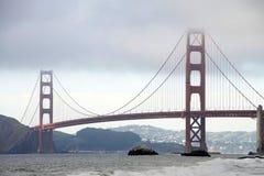 桥梁雾弗朗西斯科门金黄圣 库存图片