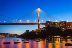 桥梁香港晚上 免版税图库摄影